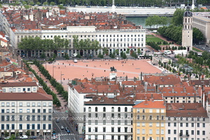 25-Lyon-Place Bellecour-280414-9739